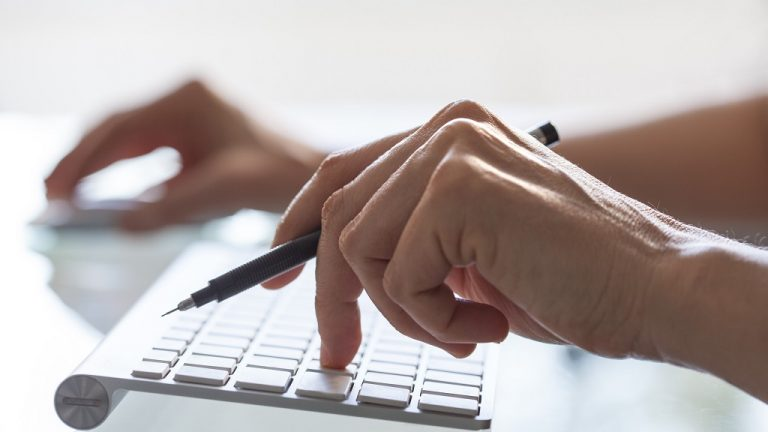 Handling electronic signatures